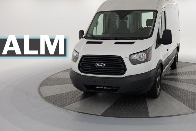 Ford Transit 250 >> Pre Owned 2018 Ford Transit 250 Base 3d Medium Roof Cargo Van In