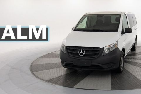 Pre-Owned 2017 Mercedes-Benz Metris Passenger